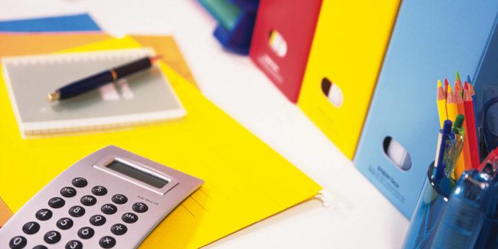 損害保険料とは?契約期間ごとの仕訳・積立保険の計上方法を解説