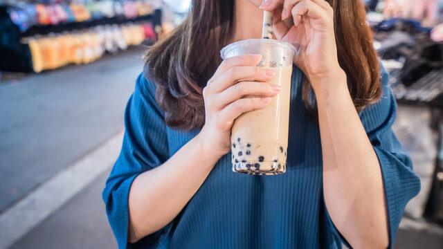 タピオカ店を悩ませる「軽減税率」 カフェに屋台にフードコート…消費税どうなる?