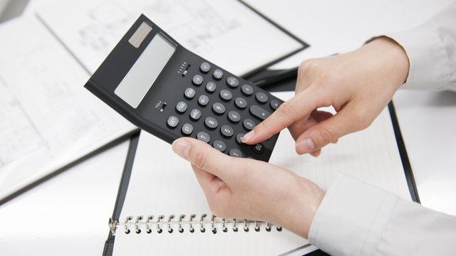 売上債権とは?種類や管理・回収方法、売上債権回転期間と回転率の計算方法も解説