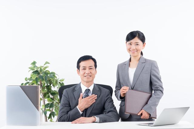 会社設立時か設立後か?税理士に依頼するタイミング・相場・メリットとは