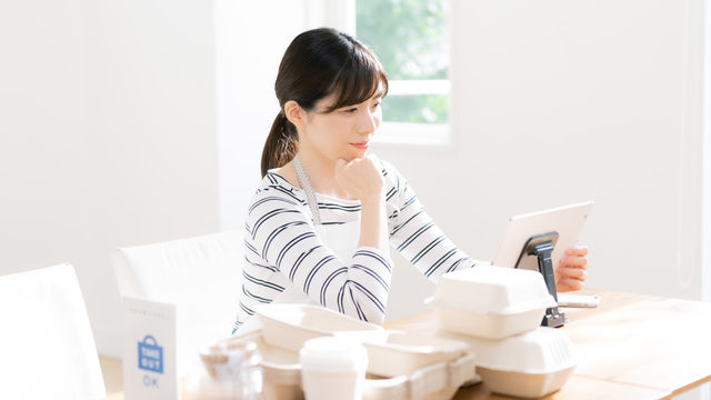 飲食店経営者が押さえるべきインボイス制度とは?レシートの扱い方も解説
