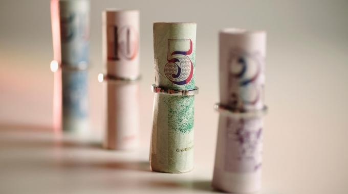 年末調整の金額はいくら戻ってくるか